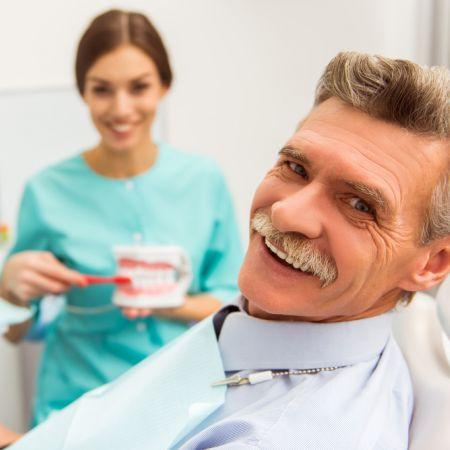 tanden los zitten grote mensen tanden